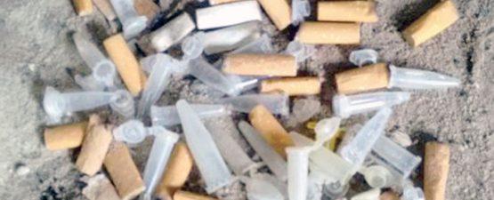 Foto mostra eppendorfs usados para armazenar drogas