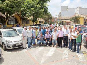 Vereadores foram ao Paço para realizar a doação ao prefeito Kiko Teixeira