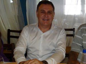 Dr. Ricardo Carajeleascow ficou no cargo por um mês